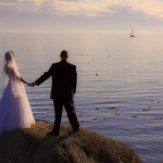 bride and groom on the ocean