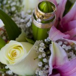 Flowers and rings for a wedding ceremony