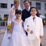 Family wedding photo in Cuba