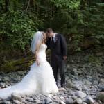 honey-moon-bay-cowichan-lake-wedding (136)