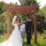 honey-moon-bay-cowichan-lake-wedding (42)