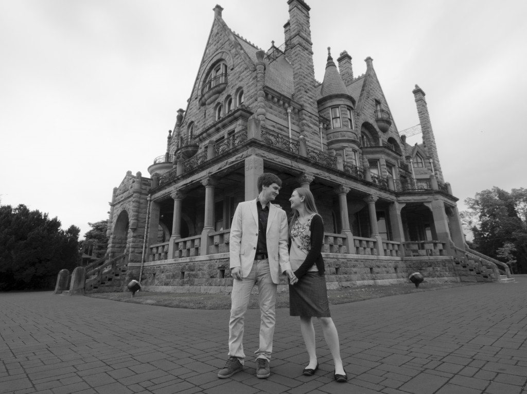 Photography-engagement-photos-victoria-bc Craigdarroch castle